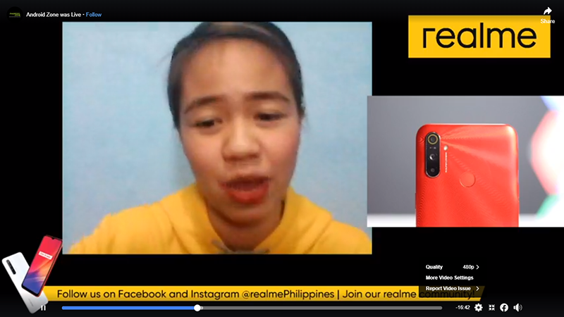Realme promoter shows how one can effectively advertise through live stream