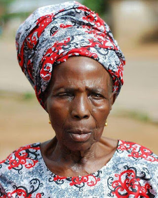 Meet Alafin Of Oyo's Great Grandmother-in-law, Who Is Over 120 Years Old And Still Goes To Farm