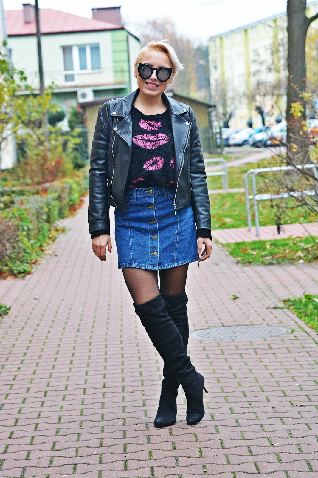 jeansowa_spodnica_skorzana_ramoneska_buty_za_kolano_karyn7