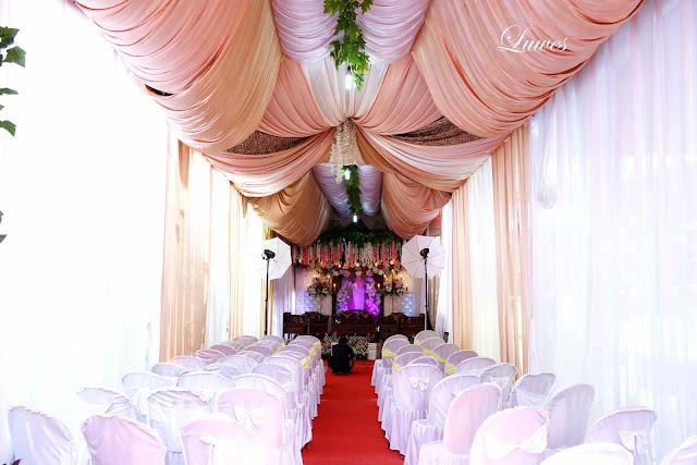 Dekorasi Pelaminan dan tenda untuk resepsi pernikahan di rumah