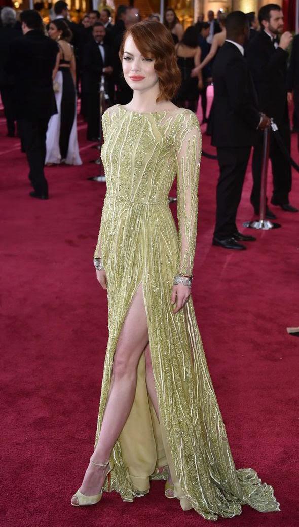 Emma Stone deixou sua calcinha aparecer no Oscar 2015!