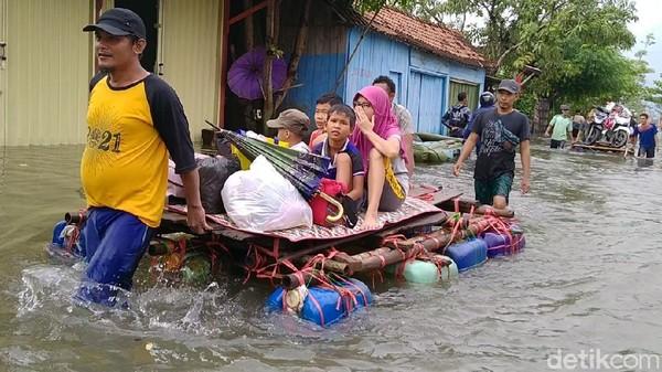 Geger Petugas Dinsos Pekalongan Karaokean Saat Korban Banjir Butuh Bantuan