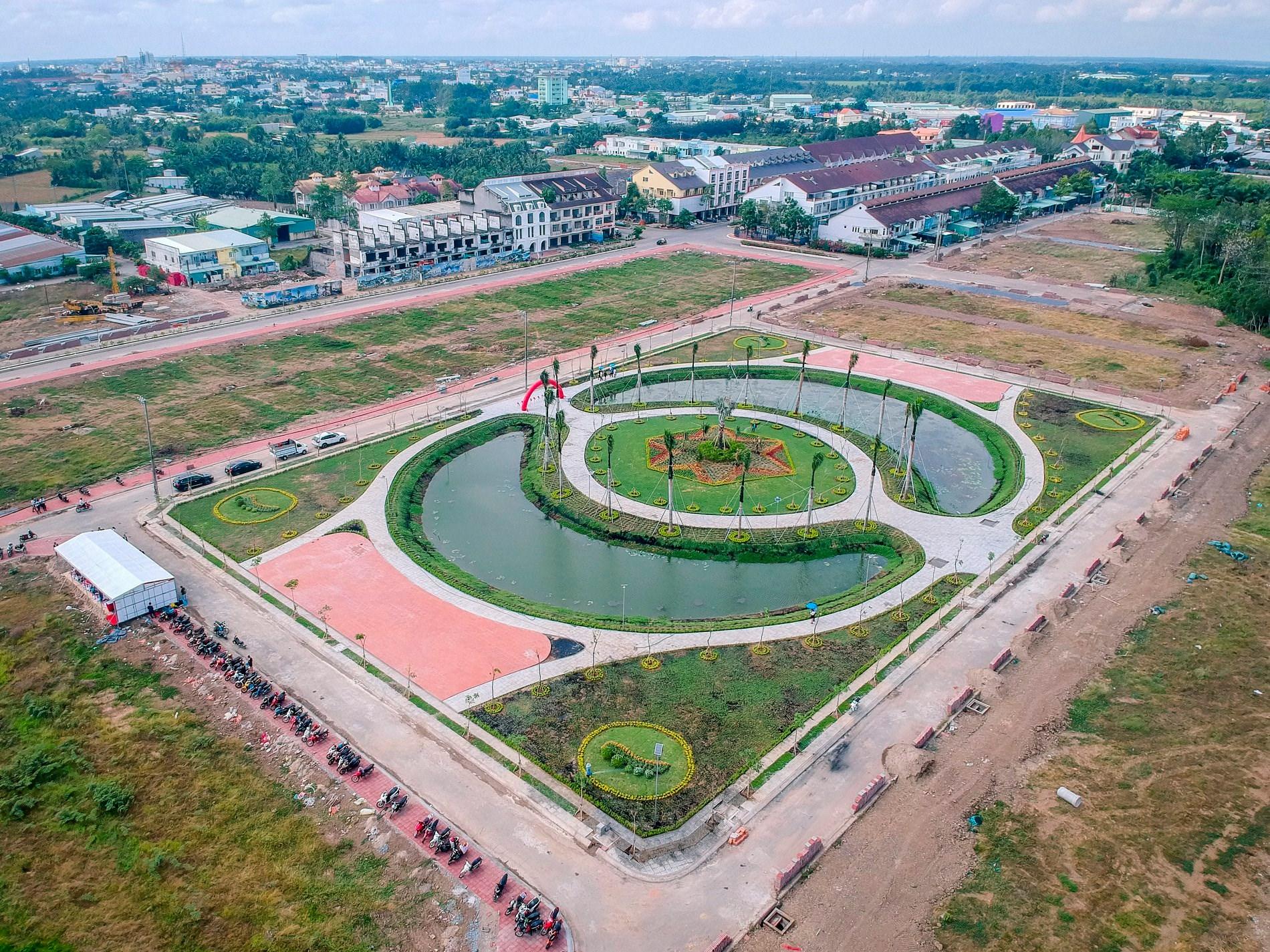 Khánh thành công viên trung tâm Khu dân cư Minh Châu (Vạn Phát Avenue)