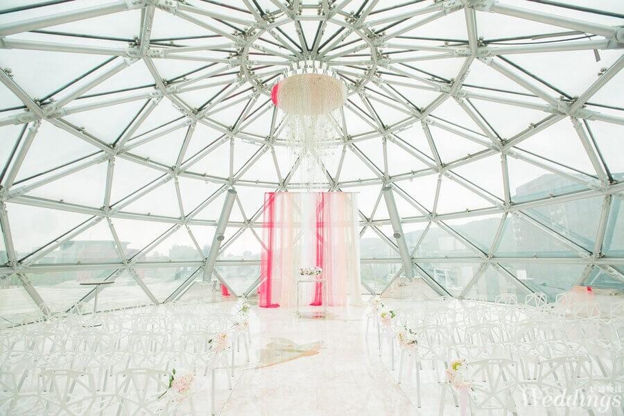 大直典華屋頂的透明儀式區,實際跟照片差挺多的