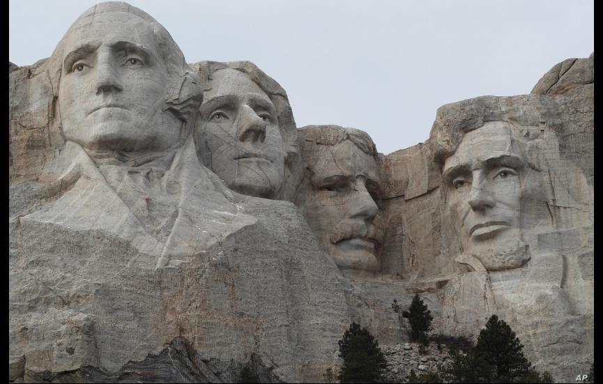El presidente Donald Trump visitará Mount Rushmore, en Dakota del Sur, el viernes, 3 de julio de 2020 / AP