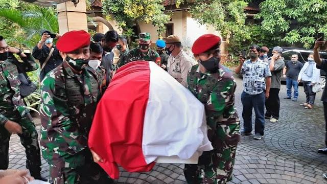Bendera Setengah Tiang Berkibar di Halaman Kodim Purbalingga