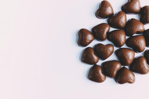 وصفة حلوي حبات الشوكولا المحشية اللذيذة