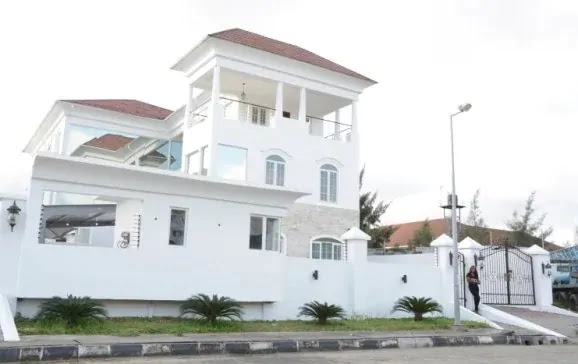 This is the house of popular Nigerian blogger, Linda Ikeji