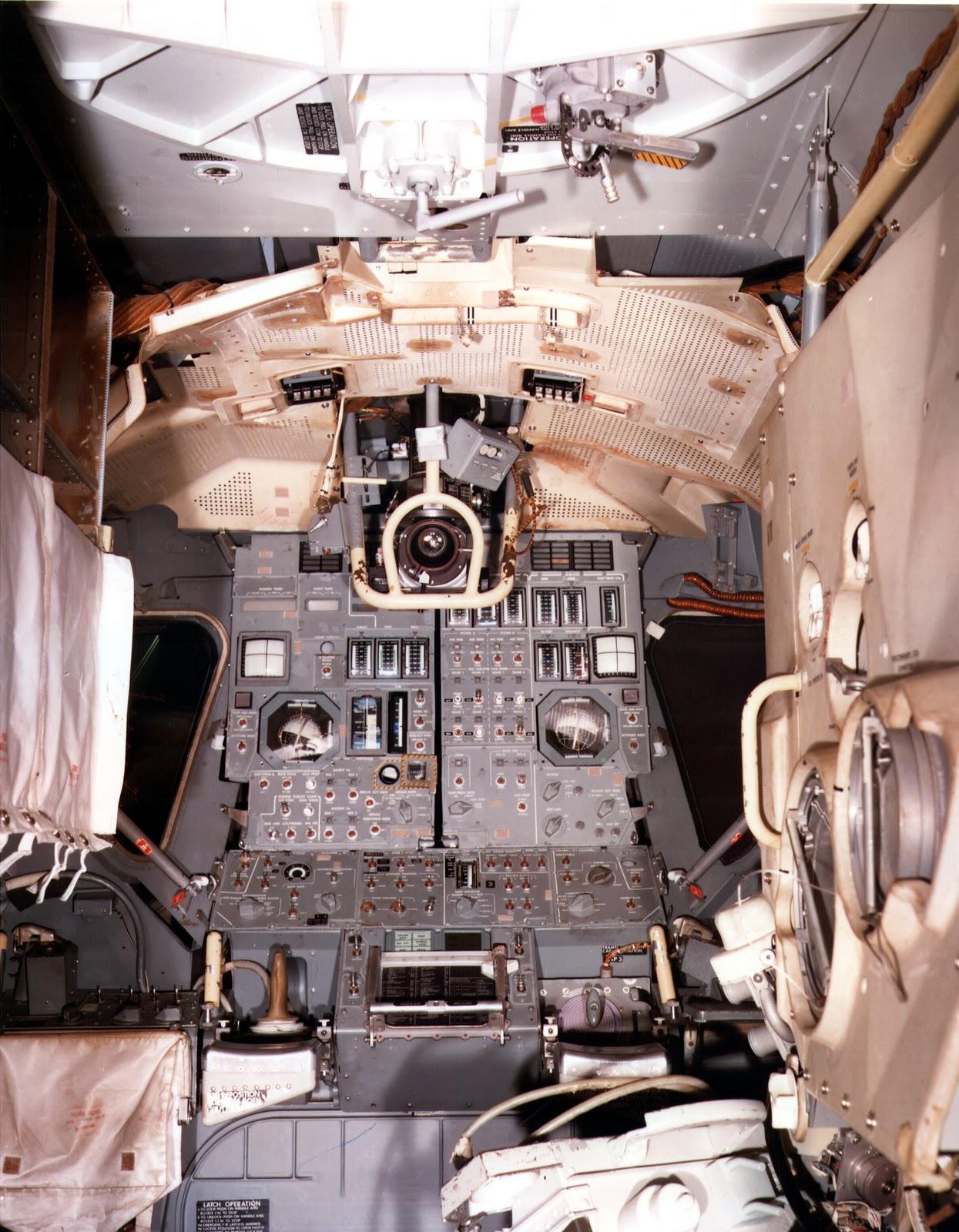 apollo capsule interior - HD800×1028