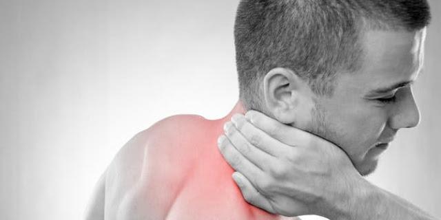 Bagaimana Cara Mengatasi Sakit Lehar?