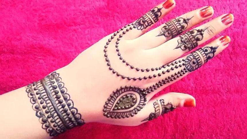 simple jewellery mehndi design for back hand