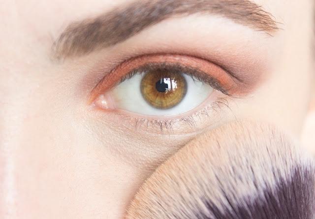 Макияж глаз в тёплой гамме с палеткой Venus Lime Crime: шаг 8