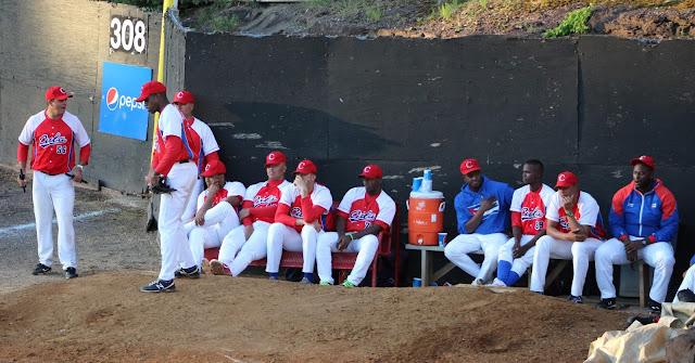 El beisbol en Cuba ha estado pidiendo a gritos dinero (estimulos) para sus atletas y parece que una puerta se abre