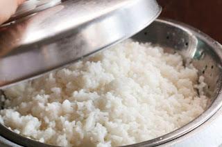 Cara Memasak Nasi Anda Dengan Sempurna Tanpa Penanak Nasi Listrik