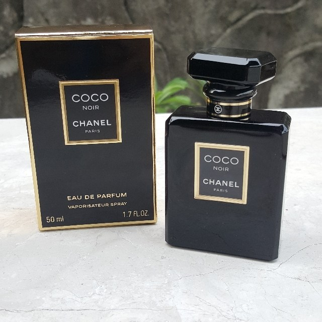 Phong cách thiết kế nước hoa nữ Chanel Coco Noir sang trọng theo nữ tính