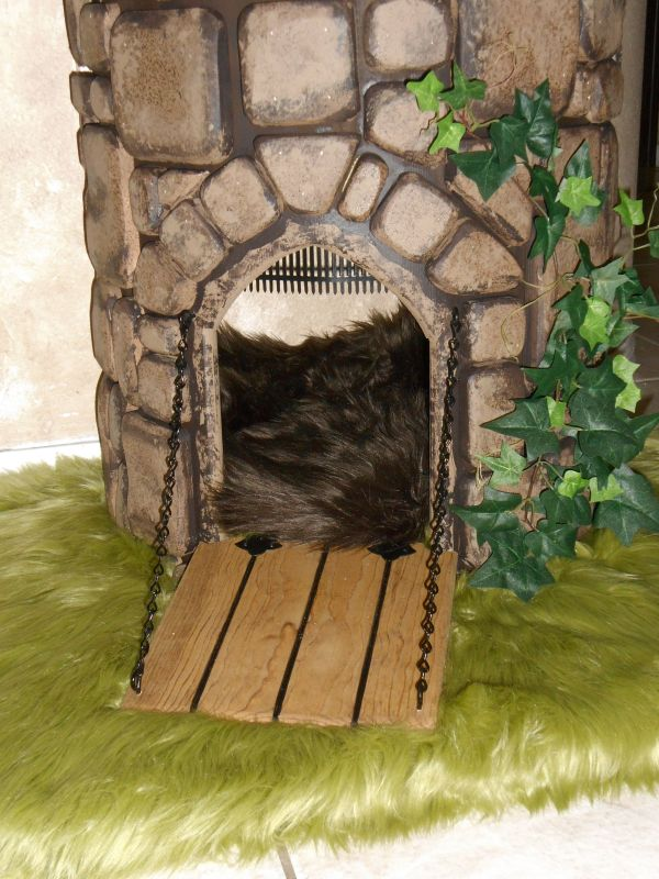 Fairy tale cat trees for Castle cat tower