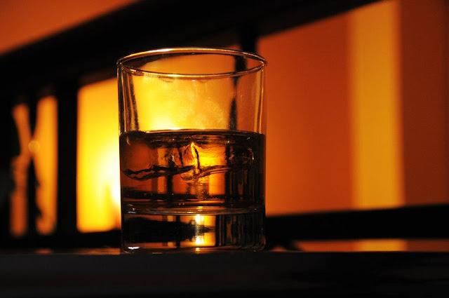 Soñar con whisky ¿Que significa?