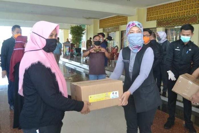 Wakil Gubernur Lampung Chusnunia Hadiri Operasi Pasar Bersubsidi di Pringsewu