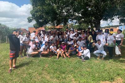 CPAC e alunos de escola municipal de Frei Paulo realizaram o plantio de mudas no povoado Serra Redonda