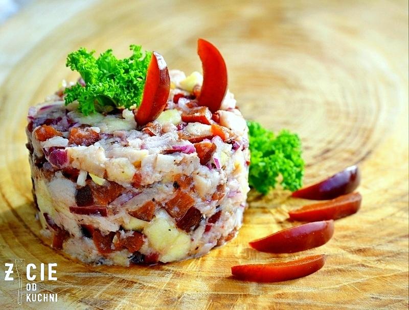 salatka z wedzona ryba, salatka z pstragiem ojcowskim, tarta, pstrag ojcowski, tarta z wedzona ryba, tarta wytrawna, tarta ze szparagami, tarta z zielonym groszkiem, przepisy z wedzona ryba, przepisy z pstragiem ojcowskim, blog zycie od kuchni, zycie od kuchni
