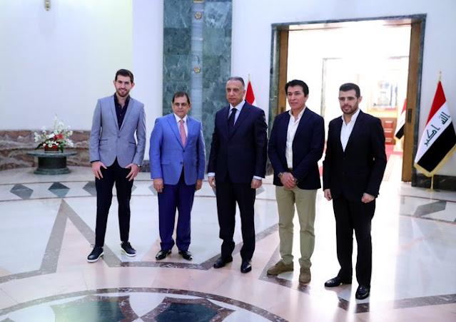 الكاظمي يستقبل كادر برنامج كما مات وطن في القصر الحكومي.