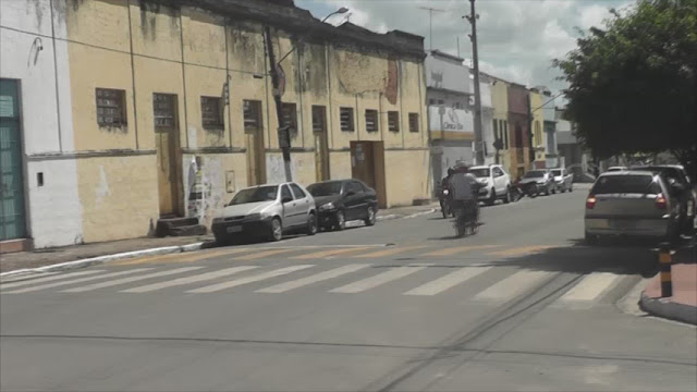 Falta faixas de pedestres em frente das escolas em  Goiana