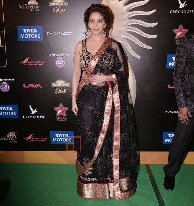 0ec073fefb Bollywood Actress Madhuri Dixit Black Saree Stills At IIFA Awards 2013