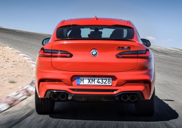 bmw-x4-rear-exterior-exhausts-taillights-emblem
