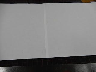 手製本工房まるみず組での絵巻制作体験風景(紙を繋ぐ)