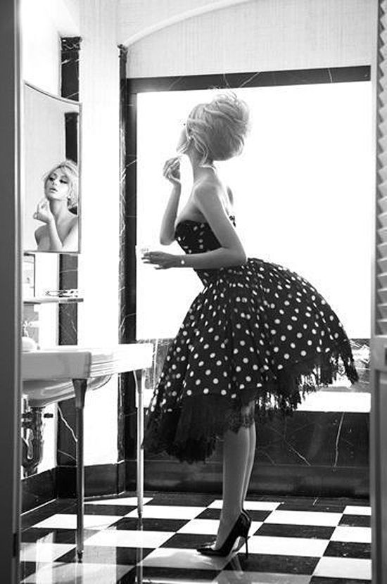 685e2c992b2 The 1950s dresses are one of the most beautiful women fashion styles of all  time. These vintage black and white pictures will prove this.