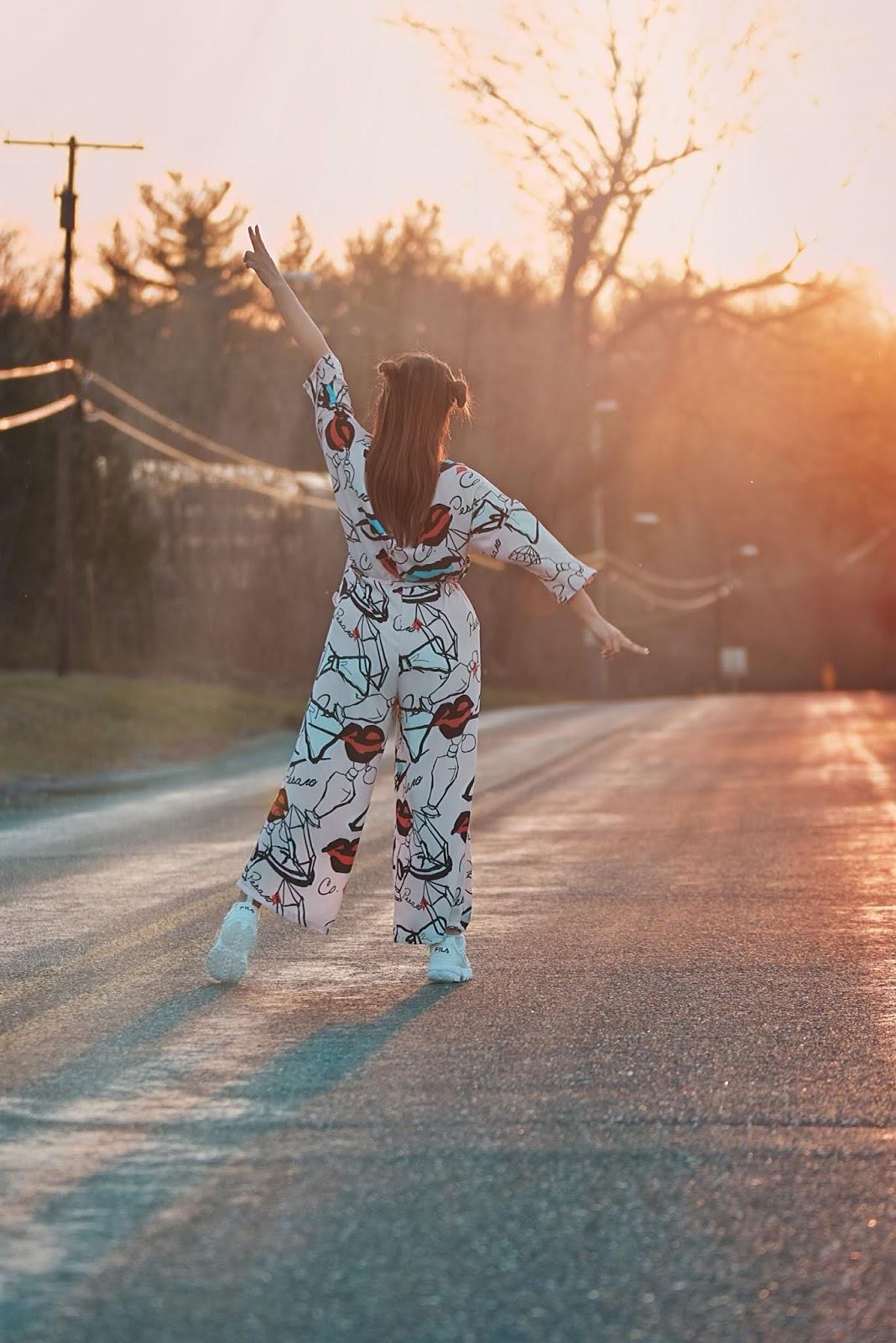 Drawstring Waist Graffiti Print Wide Leg Shirt Jumpsuit-mariestilo-sheinfestival-coachella-coachella 2019-festival mood-dessert style-travelblogger-dcblogger-modaelsalvador-marisolflamenco-