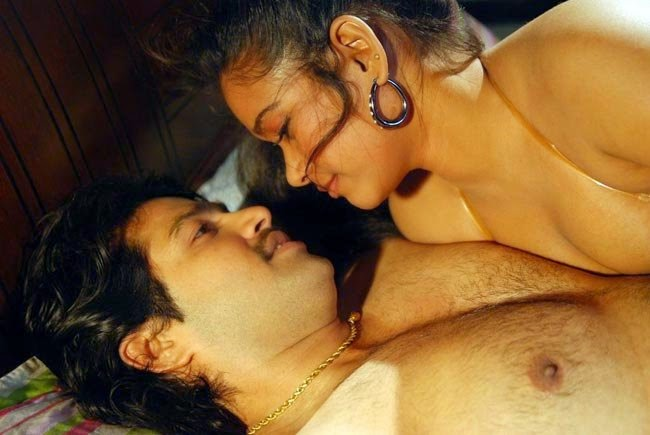 Andarangam Tamil B-grade movie Hottest Pictures