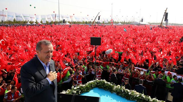 Ο Ερντογάν κηρύσσει τον πόλεμο σε δύο μέτωπα