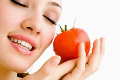 Manfaat Tomat Bagi Kecantikan Kulit