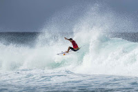 Billabong Pipe Masters 01 bourez m8223PIPE18cestari mm