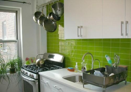 Motif Keramik Dapur Sempit