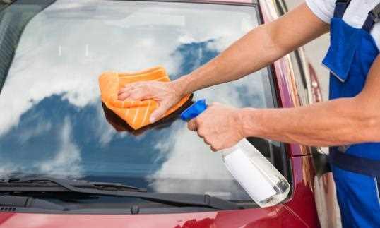 Cara Membersihkan Kaca Mobil