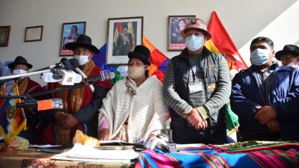 Federaciones de Cochabamba exigen al Gobierno de facto de Bolivia flexibilizar la pandemia