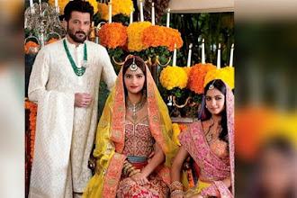 Sonam Kapoor's mehndi inside pics hit Instagram.