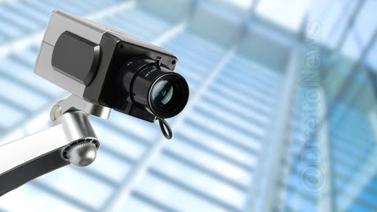 condominio indenizar morador instalar camera vigilancia
