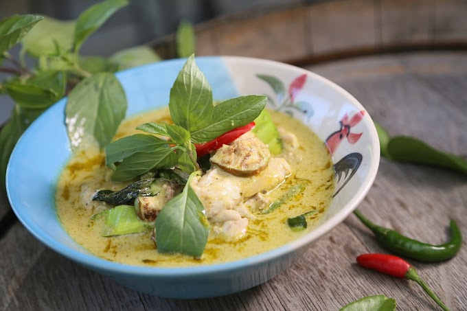 Pollo al vapor al curry verde: Recetas Keto para adelgazar