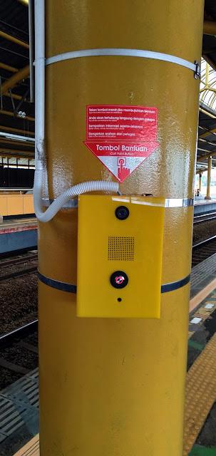 TOMBOL BANTUAN : Satu Lagi Inovasi Commuter Line Untuk Melayani Penumpang
