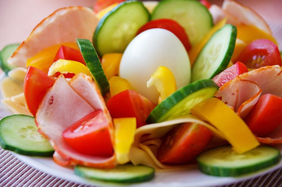 Bagaimana Nih Tips nya Biar Makan Malam Itu Tetap Sehat?