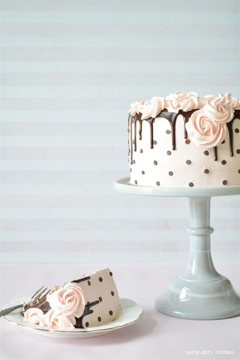 Chocolate Chip Cake, Drip Cake, Polkadot Cake, Cake Decorating, Rosette Cake