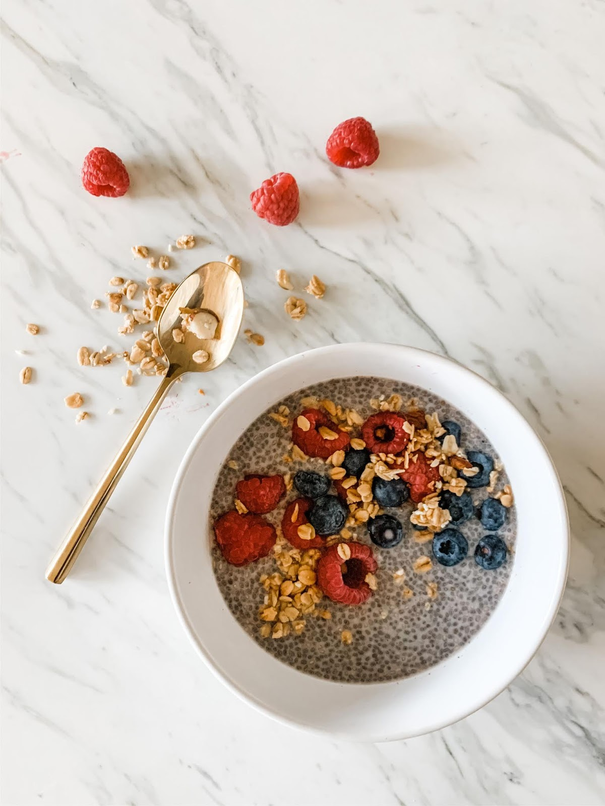 Chia seed pudding flatlay