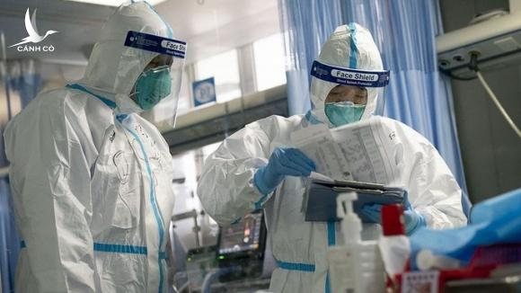 Số ca tử vong tăng lên 910, hơn 40.000 ca nhiễm virus corona