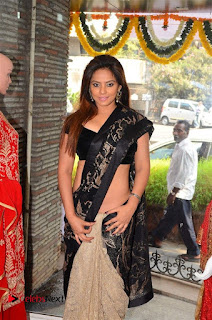 Actress Neetu Chandra Stills in Black Saree at Designer Sandhya Singh's Store Launch  0010.jpg