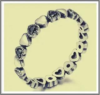 Inel din argint cu Inimi si Cristale Negre păreri forum edenboutique