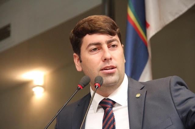 Em seis meses de mandato, vereador do Recife Samuel Salazar tem terceira lei sancionada