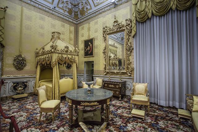 Palazzo Pitti :: Canon EOS5D MkIII | ISO800 | Canon 17-40@17mm | f/5.0 | 1/13s